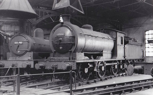 65861 in the roundhouse, York North (50A). A bit of a nomad, she went next to Selby (50C) for less than a year. Then north to South Blyth (52F) until withdrawal and scrapping in 1965,