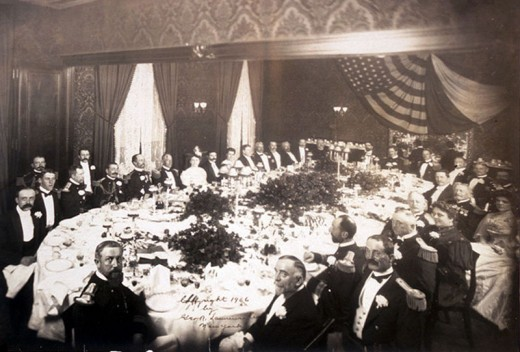Fine dining at Delmonico's in New York circa 1906