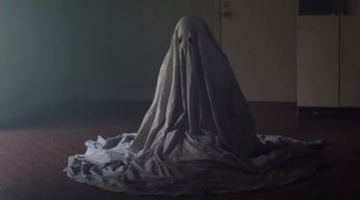 "still from ""A Ghost Story"""