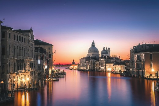Venice is the perfect romantic destination in Italy for both honeymooners and seasoned couples. Prepare to get mesmerized by the magic city on water.