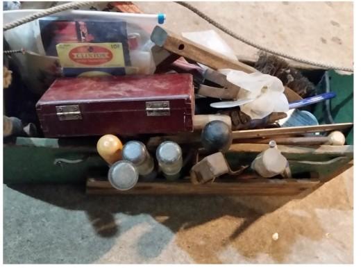 Tools: hammer, wood chisels