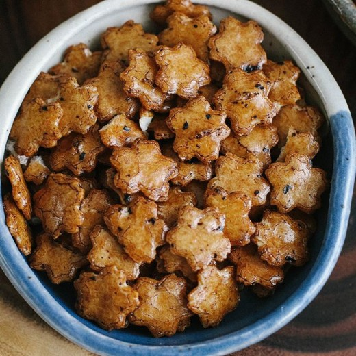 Fantastically tasty sakura arare crackers