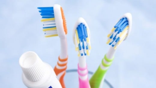 Notice the colors of the toothbrush bristles. There are there for a reason.