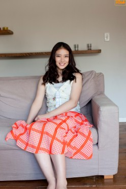 The Interesting Life of Movie Actress Emi Takei - What You May Not Know About Her