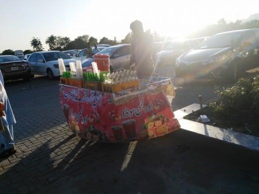 One of the several vendors selling Lemon soda outside the mall.