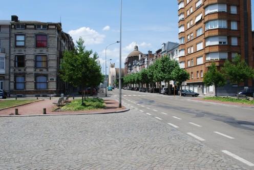 Liège : Place des Nations-Unies, and lavenue du Luxembourg, towards Saint-Vincent church.