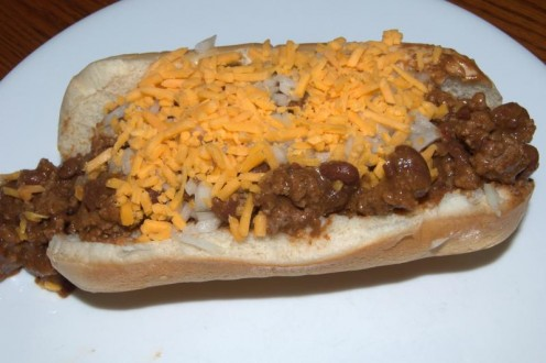 Foot-Long Hot Dogs With Chili: Pure Paradise.