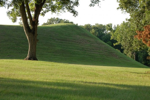 Emerald Mound, a Plaquemine-Mississippian mound site built between 1250 and 1600 CE