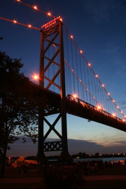 The Detroit Bridge Controversy: an American Political Showdown