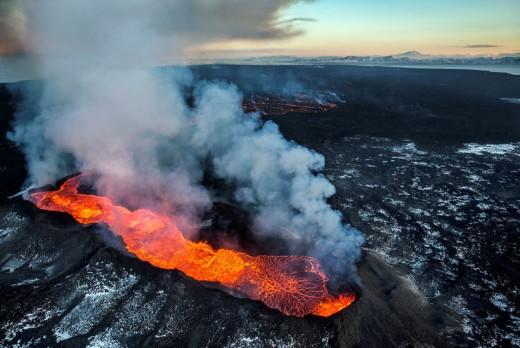 ... Fire...(Holuhraun erupts 2014)