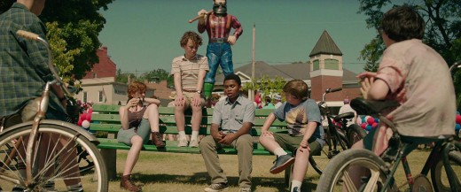 That lumberjack is eavesdropping on the Losers club.