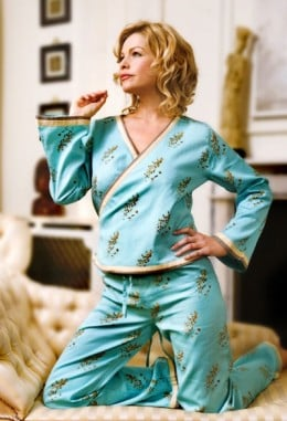The classic styles of women's pajamas can be the most attractive!