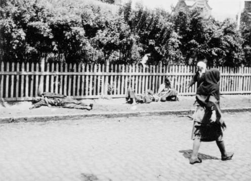 Dead bodies of starved peasants in Kharkiv