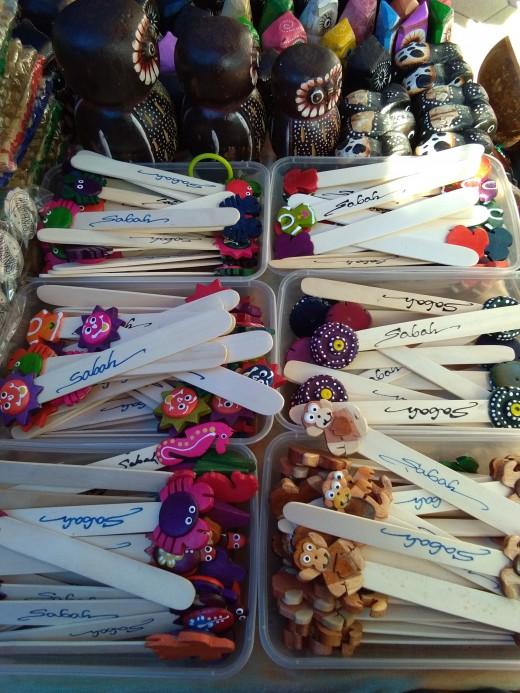 handmade souvenir pens and key chains