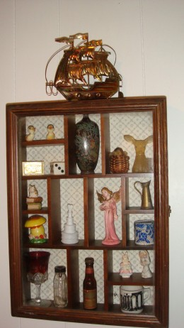A small shadow box, some vintage knick-knacks, some not, but they all make the grade!