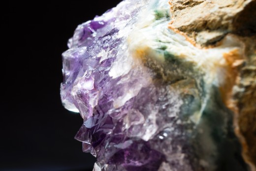 Crystals have different energetic properties that can be used to our advantage. Photo by Aleksey Ovcharov on Unsplash.