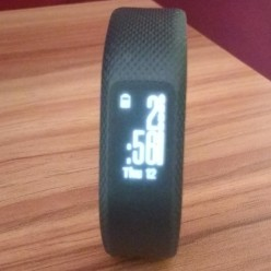 What the Garmin Vivosmart 3 Offers for Non-Fitness Freaks: A Review