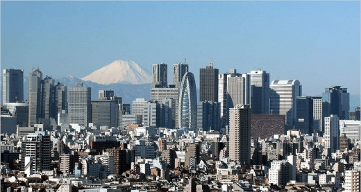 Panoramic view of Shinjuku and Mt. Fuji (http://en.wikipedia.org/wiki/Tokyo,_Japan)