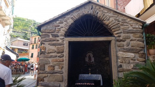 The Chapel in the main street of Vernazza