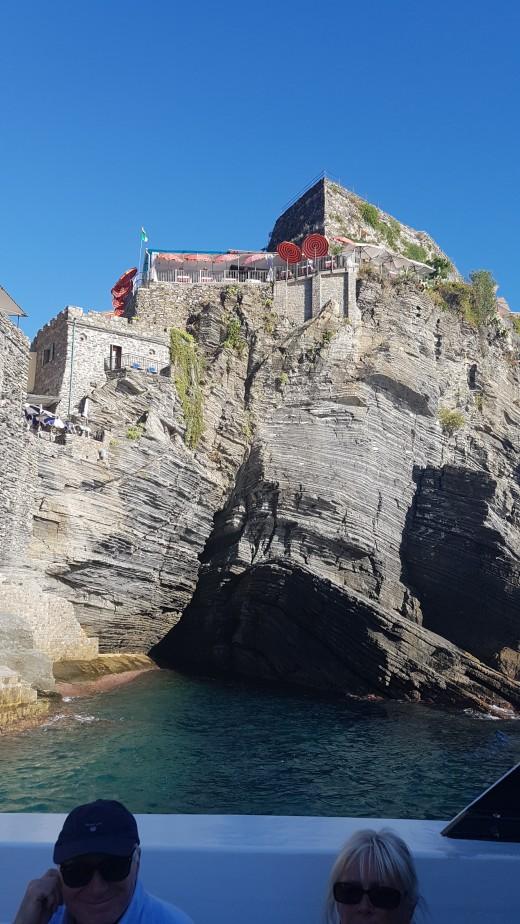 Boat Tour Vernazza, Cinque Terre - The Doria Castle on the rock cliff