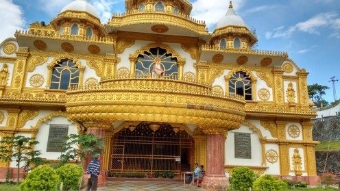 The spectacular view of Sai Mandir from outside