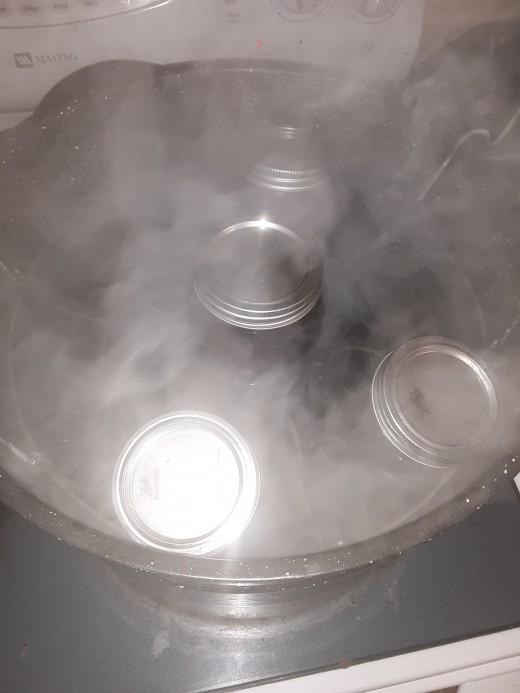 Jam in water bath