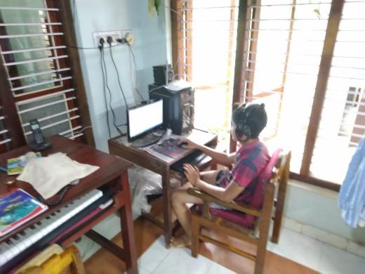 Computer gaming arrangements