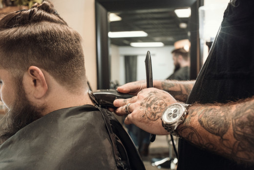 Almost everyone has experienced that itchy feeling after having a haircut, but it is preventable.