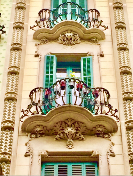 Colorful and beautifully decorated facades in Barcelona as an example of El Modernismo. Nature was an important source of inspiration.