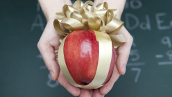 What Not to & What to Get A Teacher for Christmas