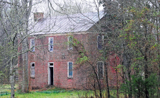 Means House is a historic unrestored home on an isolated 20-acre property in Jonesville, South Carolina.