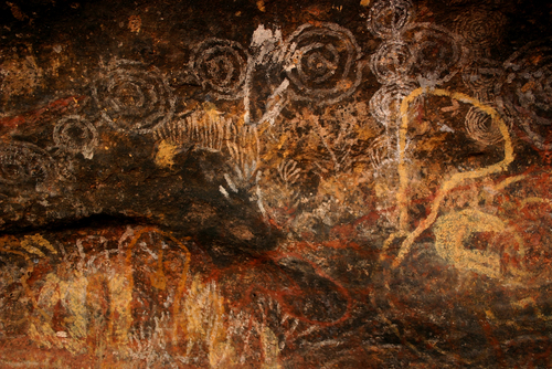 Aboriginal drawings on Uluru