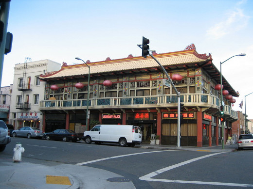Oakland Chinatown. Photo credit: Daniel Olsen. [CC BY 2.5 (https://creativecommons.org/licenses/by/2.5)]