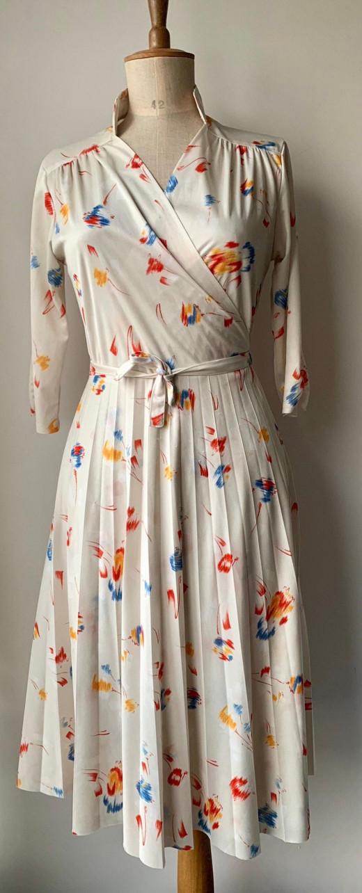 """Vintage DVF wrap dress from """"DesDes Vintage'/etsy.com"""