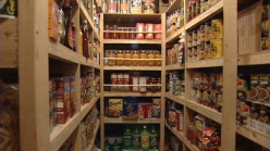 How to Build Your Food Stockpile on a Budget
