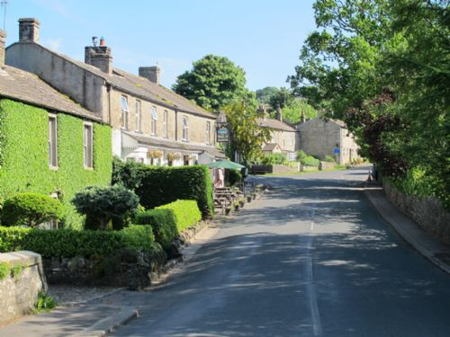 Grinton village sits astride the road that climbs to the moor and Leyburn in Wensleydale