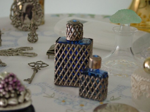 Perfumes can be expensive, but there's an easier way to get them.