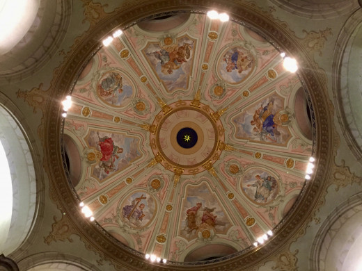 The centre dome inside the ceiling of the Frauenkirche