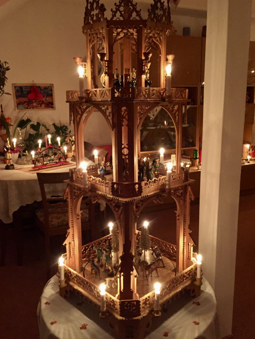 Everyone's house had the most amazing selection of candle lights and wooden carvings