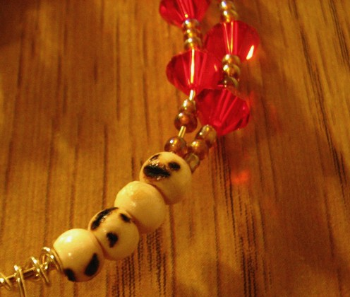 Crystal beads will make the finished Halloween bracelet mysterious and magical. The light catching beads will augment that extreme Halloween affect.