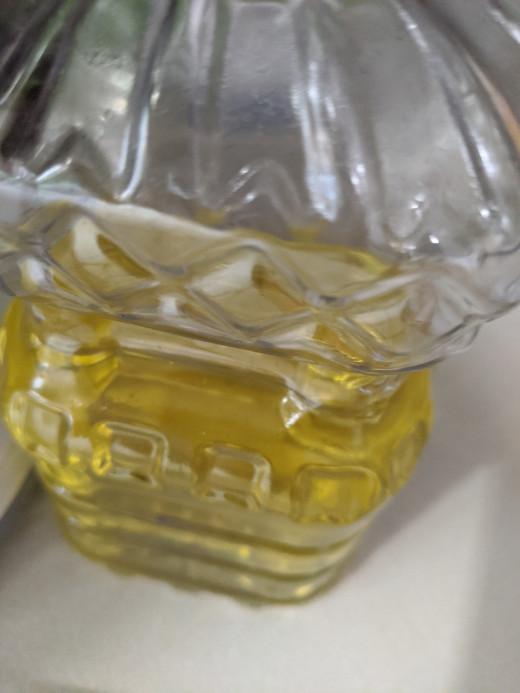Oil to make nuts chop easier