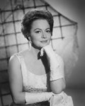 Olivia de Havilland, Hollywood Beauty and Determination