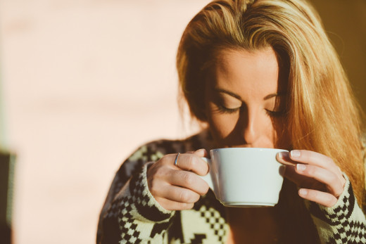 Before going to bed, try to avoid taking tea or drinking coffee.