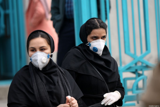 People wear masks after deaths from and new cases of the coronavirus are confirmed in Tehran, Iran on 21 February 2020 [Fatemeh Bahrami / Anadolu Agency]