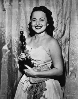With her Oscar for 'To Each His Own' in 1946