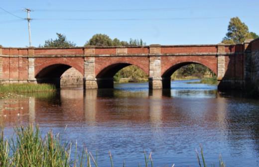 Red Bridge on River Elizabeth