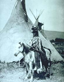 Chief Looking Glass, photo taken in 1871