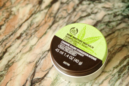 Using a moisturizer such as a balm on your skin after shaving also reduces your risk of subsequent razor burn.