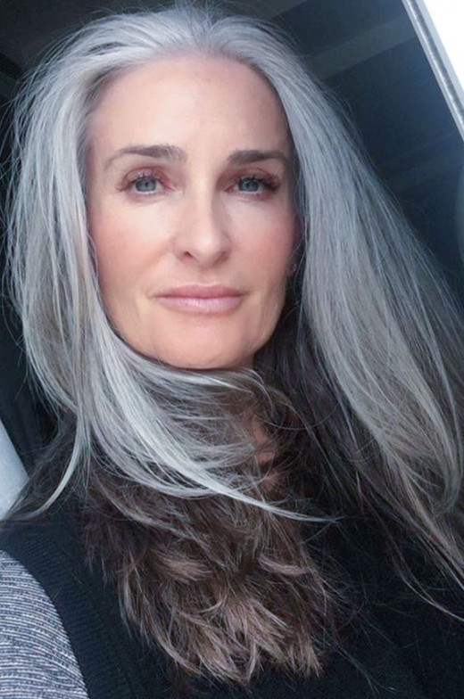 Long gray hair can be kept beautiful
