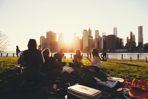 People enjoying a picnic together: Image by Free-Photos from Pixabay